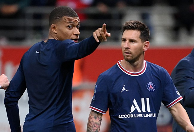 Kylian Mbappe Scores Brace to Steal Show From Lionel Messi's PSG Debut in Game Against Reims